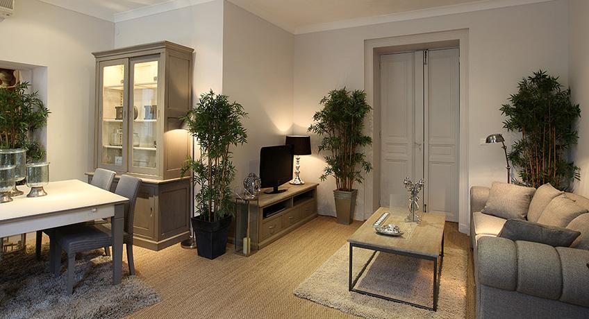 meubles avignon mobilier avignon with meubles avignon catalogue dervieux meubles provencaux. Black Bedroom Furniture Sets. Home Design Ideas