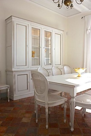awesome vaisselier patin meubles provenaux with meubles provencaux patines. Black Bedroom Furniture Sets. Home Design Ideas