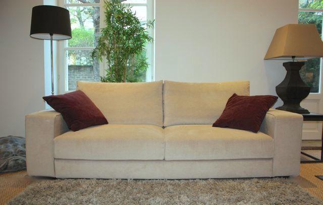 Canap haut de gamme contemporain coup de soleil mobilier for Nettoyer canape tissu non dehoussable